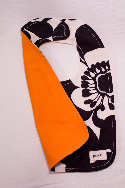 pkboo_poppy_orange_bib1