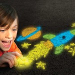 Crayola Glow Chalk_Lifestyle
