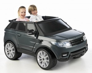 Famosa_Range Rover With Kids_HR (2)